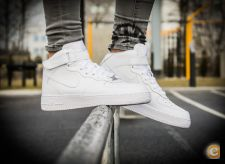 NIKE AIR FORCE BOTA