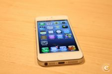 Apple iPhone 5 - 16 GB branco e desbloqueado