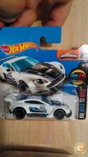 2016 HOT WHEELS - ASTON MARTIN VANTAGE GT3      NOVO