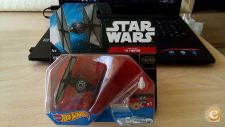 HOT WHEELS - STAR WARS    TIE FIGHTER       SPACESHIP NOVO