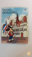 GRENADA GRENADINES - SCOTT 1059   PARIS   ( DISNEY )