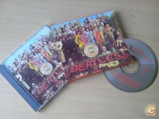 BEATLES - SGT PEPPERS LONELY HEARTS CLUB BAND 1967 CD