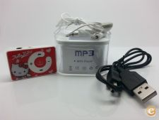 Leitor MP3 Hello Kitty C/ Phones / USB / Bateria / MicroSD