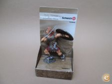 BONECO THE FEARED WARRIOR FROM THE NORTH SCHLEICH NEW HEROES