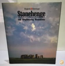 Stonehenge and Neighbouring Monuments / R. J. Atkinson