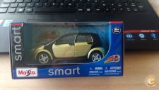 MAISTO - SMART FORFOUR   GREEN         1/35      *NOVO*