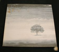 LP – GENESIS_WIND AND WUTHERING. Inclui folha interior com a