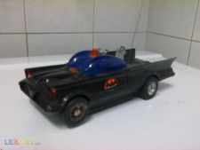 ANTIGO E RARO BATMOBILE  - DC COMICS 1977