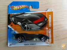 2011 HOT WHEELS - THE BATMAN BATMOBILE       *NOVO*